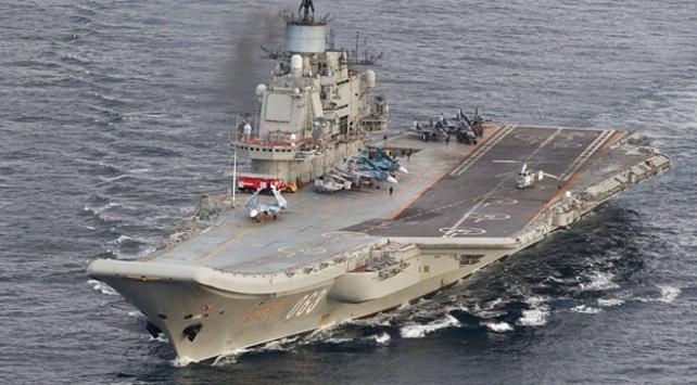 Rus uçak gemisinde yangın: 3 yaralı