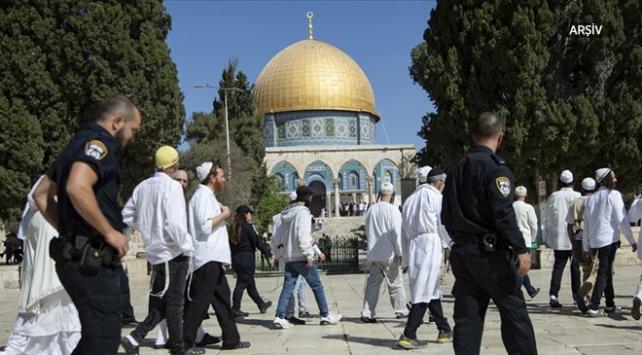 Fanatik Yahudiler Mescid-i Aksaya baskın düzenledi
