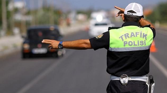Alkollü araç kullanmaktan ehliyetine el konulan sürücü yine alkollü yakalandı