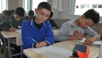 14 yaşındaki Emre biyonik ele kavuşmanın hayalini kuruyor