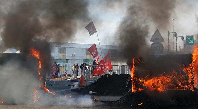Fransadaki eylemciler geri adım atmıyor