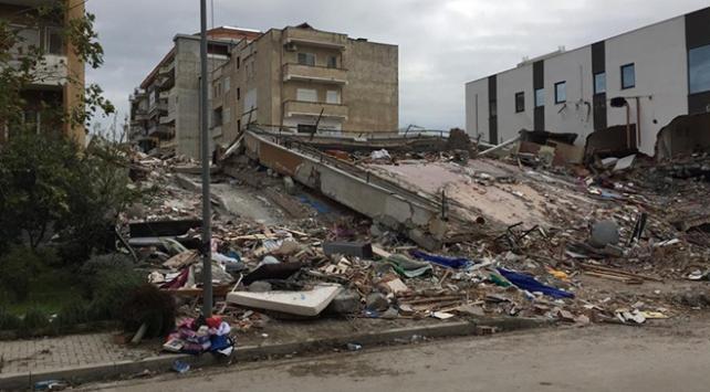 Arnavutluktaki deprem