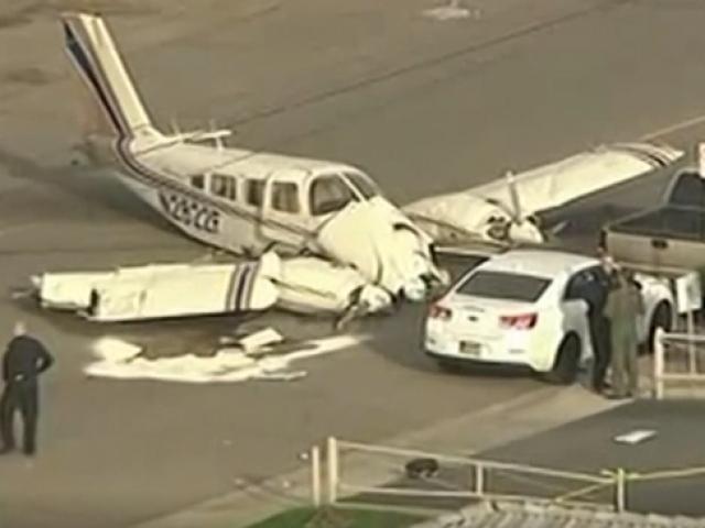 ABDde iki motorlu uçak caddeye zorunlu iniş yaptı