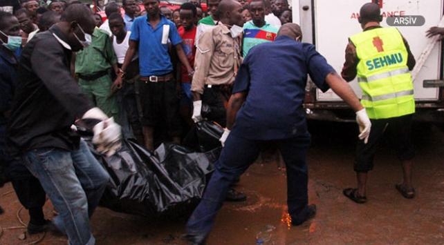 Nijeryada iki minibüs çarpıştı: 25 ölü