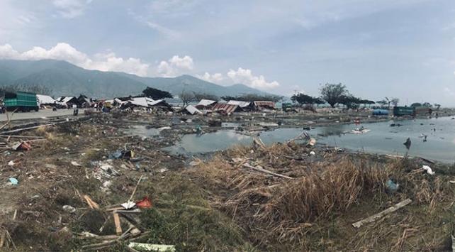 Endonezyada sel: 2 ölü