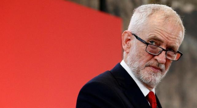 İngilterede İşçi Partisi lideri Corbyn, görevini bırakacağını duyurdu