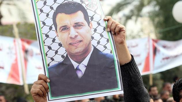 Muhammed Dahlan hakkında yakalama kararı çıkarıldı