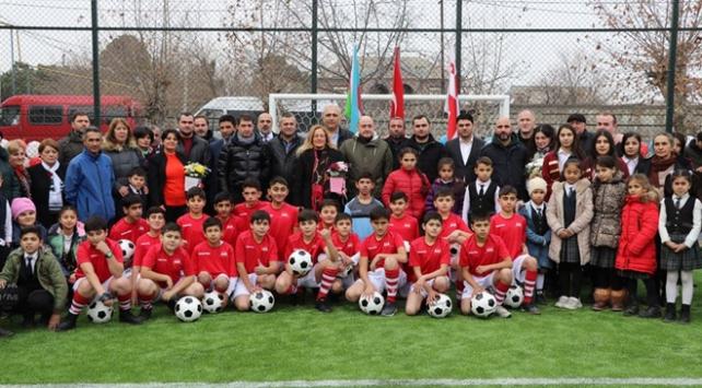 TİKAdan Gürcistanda çocuklara futbol sahası