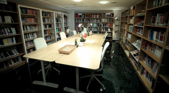 Yunus Emre Enstitüsünden Brükselde Türkçe kütüphane