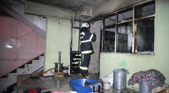 Kahramanmaraşta yangın çıkan evde mahsur kalan 7 kişi kurtarıldı