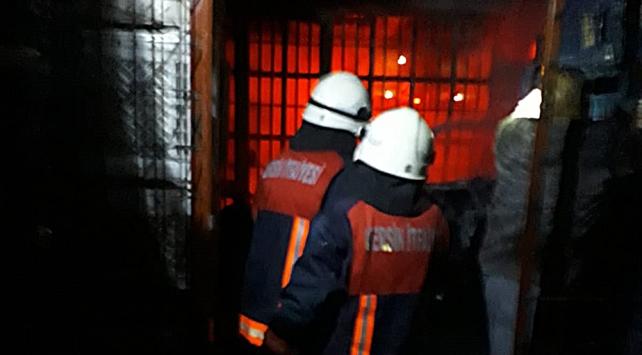 Tarsus Halinde yangın: 4 iş yeri küle döndü