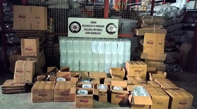 """""""Antifrizli cam suyu"""" yazılı kolilerde 1 ton etil alkol ele geçirildi"""