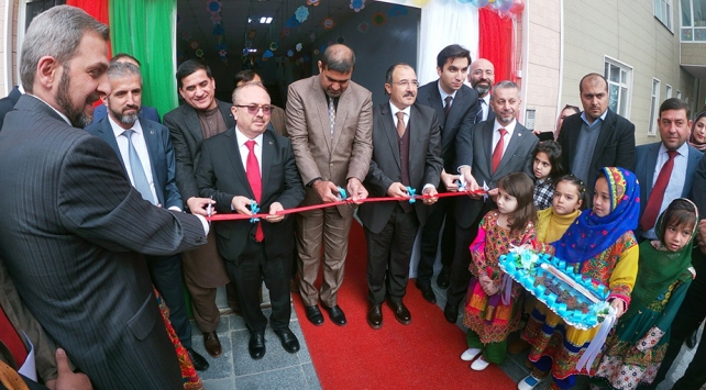 Türkiye Maarif Vakfı Afganistanın başkentine ilkokul açtı