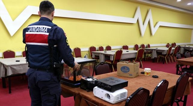 İzmirde sendika binasına kumar operasyonu: 101 kişiye ceza