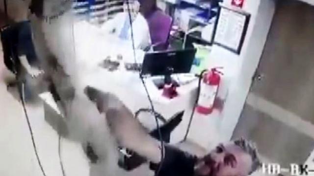 İşçinin hastane tavanından düşme anını doktor anlattı