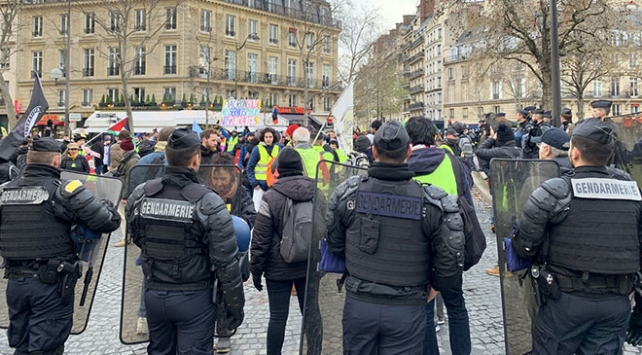 Fransada sarı yeleklilerin gösterileri 57. haftasında