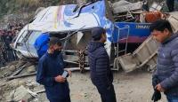 Nepal'de otobüs kazası: 14 ölü, 18 yaralı
