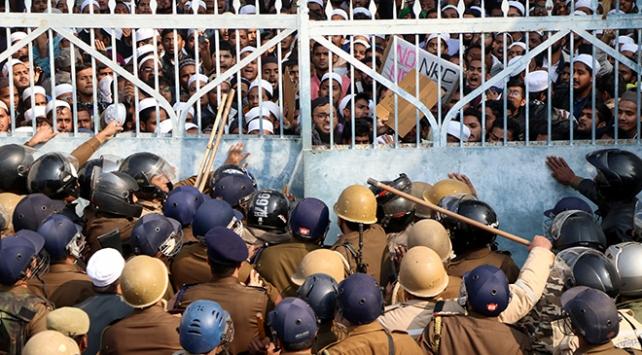 Hindistanda vatandaşlık yasası protestoları sürüyor
