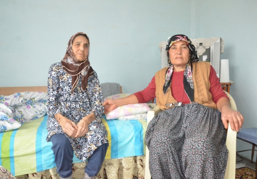 Mersinde hasta anne ve kızı için yeni yol açıldı