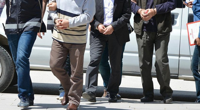 Konya merkezli FETÖ operasyonu: 5 gözaltı