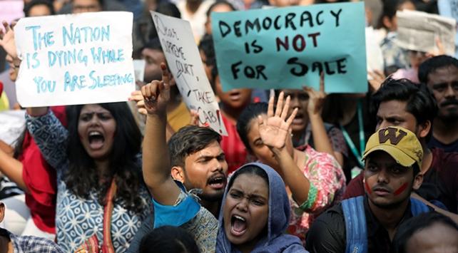 Dünyanın dört bir yanında protesto dalgası