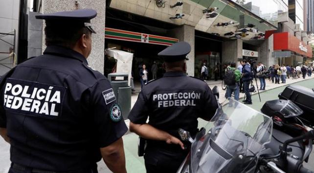 Meksikada 1 haftada 12 polis öldürüldü