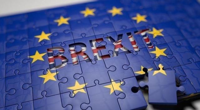 Brexit anlaşması cuma günü İngiliz Parlamentosuna sunulacak