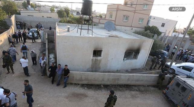 Yahudi yerleşimciler Batı Şeriada bir Filistinlinin evini taşladı
