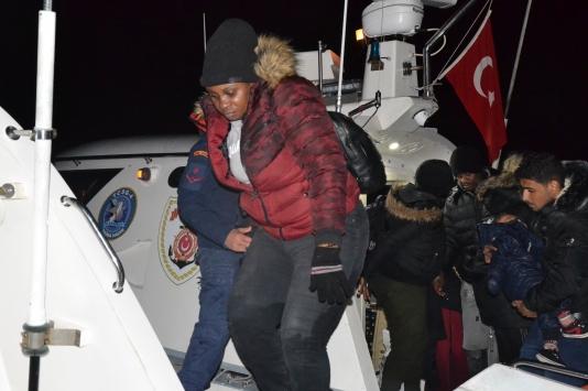 Balıkesirde 65 düzensiz göçmen yakalandı