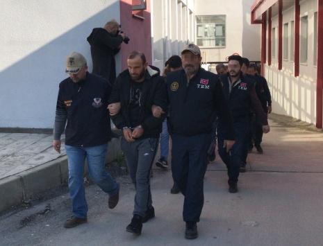 Adanadaki DEAŞ operasyonunda bir kişi tutuklandı, 5 kişi sınır dışı edildi
