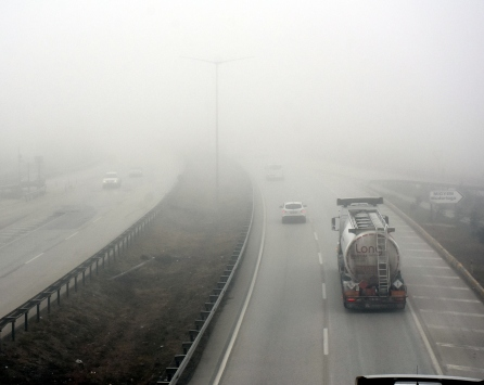 """""""Kilit kavşak"""" Kırıkkalede yoğun sis etkili oluyor"""