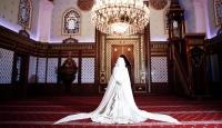 Camide Düğün Fotoğrafı Çektirdiler