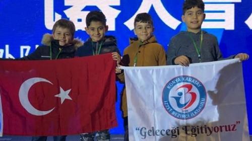 Türk öğrenciler Çin'deki robot yarışmasında dünya 3'üncüsü oldu