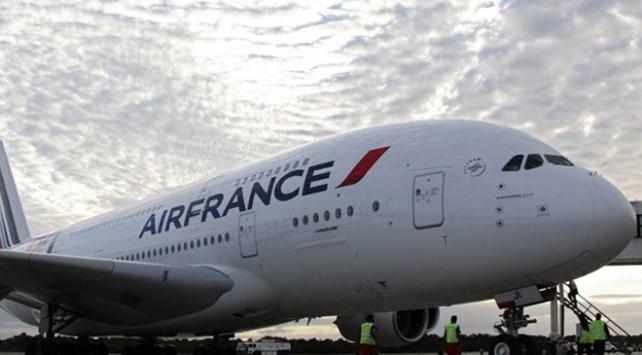 """Kamerunlu yolcudan Air Francea """"insanlık dışı muamele"""" suçlaması"""