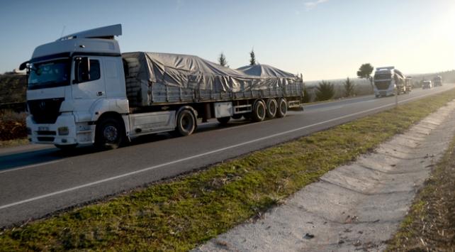 Suriye sınırına arazi aracı ve mühimmat takviyesi