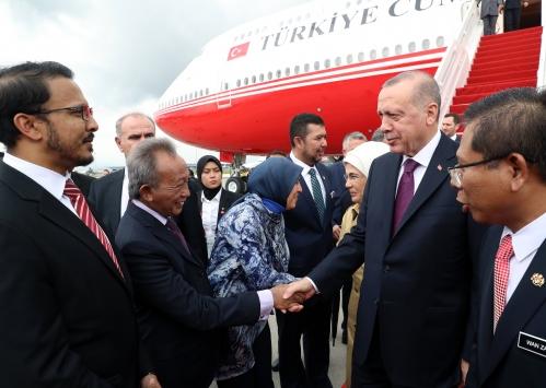 Cumhurbaşkanı Erdoğan, Kuala Lumpur Zirvesine katılmak üzere Malezyaya geldi