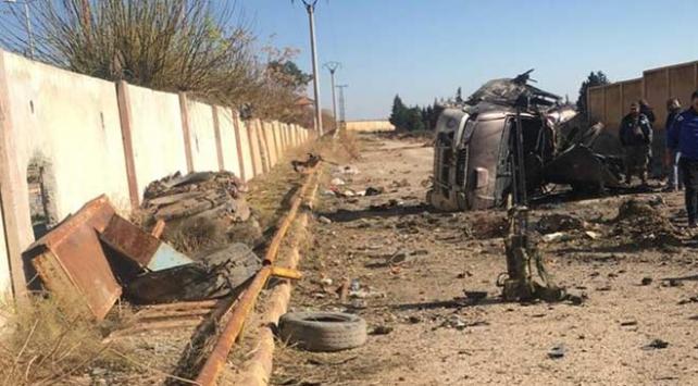 Terör örgütü PKKnın Tel Abyadda tuzakladığı mayın patladı: 2 ölü, 3 yaralı