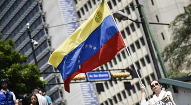 BMye göre 4,7 milyon Venezuelalı ülkesini terk etti