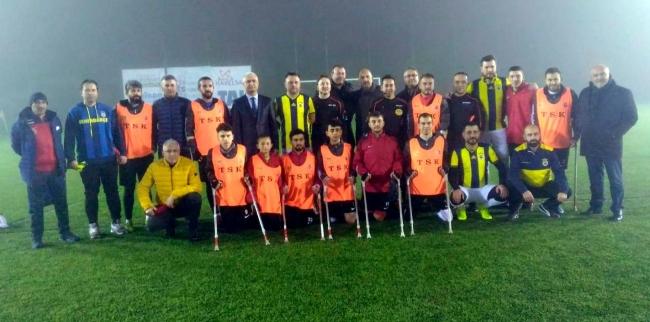 Fenerbahçeli iş adamları gazilerle moral maçı yaptı
