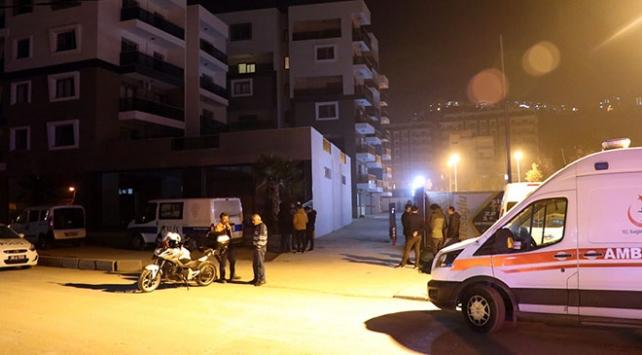 İzmirde polis memuru ve kız arkadaşı evde ölü bulundu