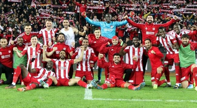 Penaltısız lider Sivasspor