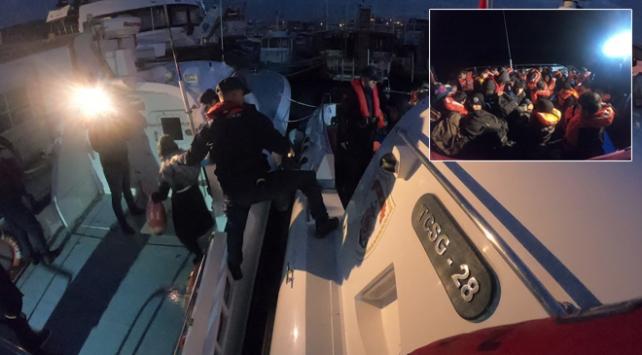 Balıkesirde lastik botta 35 kaçak göçmen yakalandı