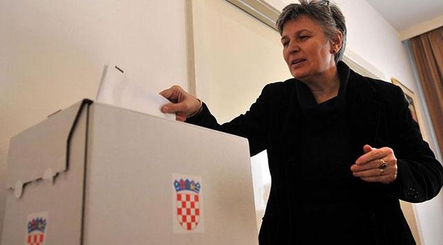 Hırvatistanda yarın cumhurbaşkanlığı için 11 aday yarışacak
