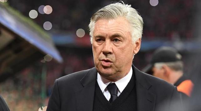 Cenk Tosunun yeni teknik direktörü Ancelotti oldu