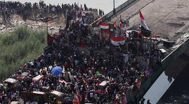 Bağdatta göstericiler Ahrar Köprüsünden çekildi