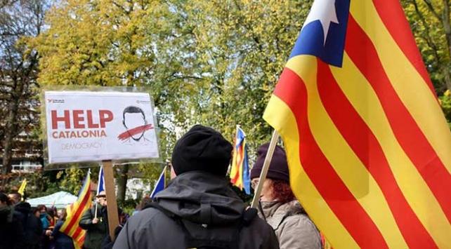 Ayrılıkçı Katalanlar bağımsızlık hedefinden vazgeçmiyor