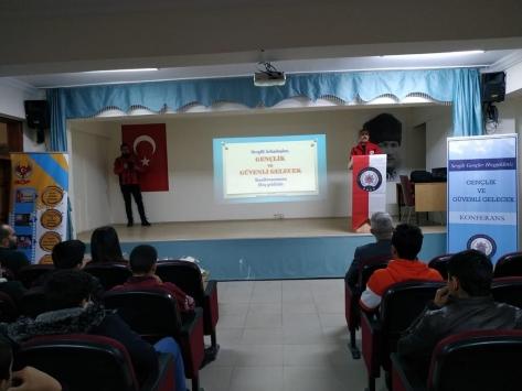 """Ulaşta """"Gençlik ve Güvenli Gelecek"""" konulu konferans düzenlendi"""