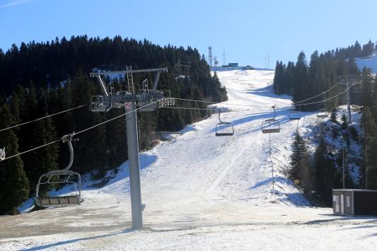 Ilgaz Dağına kar yağmadı kayak sporcuları zor durumda kaldı