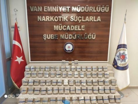 Vanda minibüsün tavanında 40 kilo 325 gram eroin bulundu
