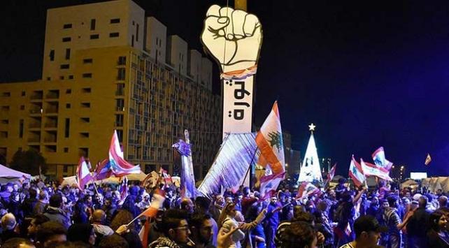 Lübnanda yönetim karşıtı gösteriler sürüyor